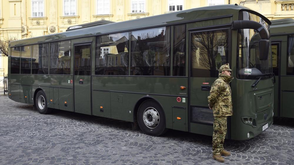 d76ba745b0e4 Hadrendbe álltak az új magyar autóbuszok - kégaléria - Infostart.hu