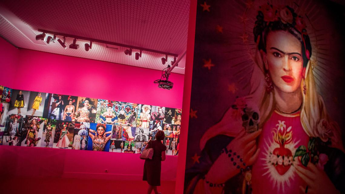 3f25b89cbd Magyarul írt szerelmeslevél is látható a Frida Kahlo-kiállításon ...