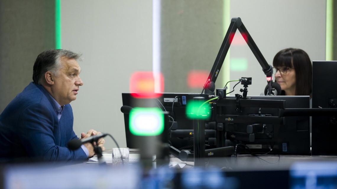 Budapest, 2018. november 23. Orbán Viktor miniszterelnök interjút ad a Jó reggelt, Magyarország! című műsorban Nagy Katalin műsorvezetőnek a Kossuth rádió stúdiójában 2018. november 23-án. MTI/Balazs Mohai