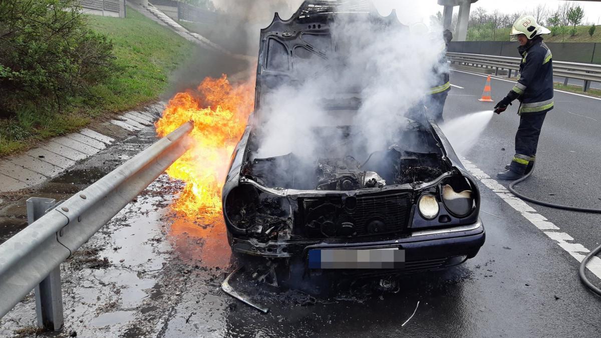 2cf29116a6 Egyre több autó gyullad ki Magyarországon - Infostart.hu