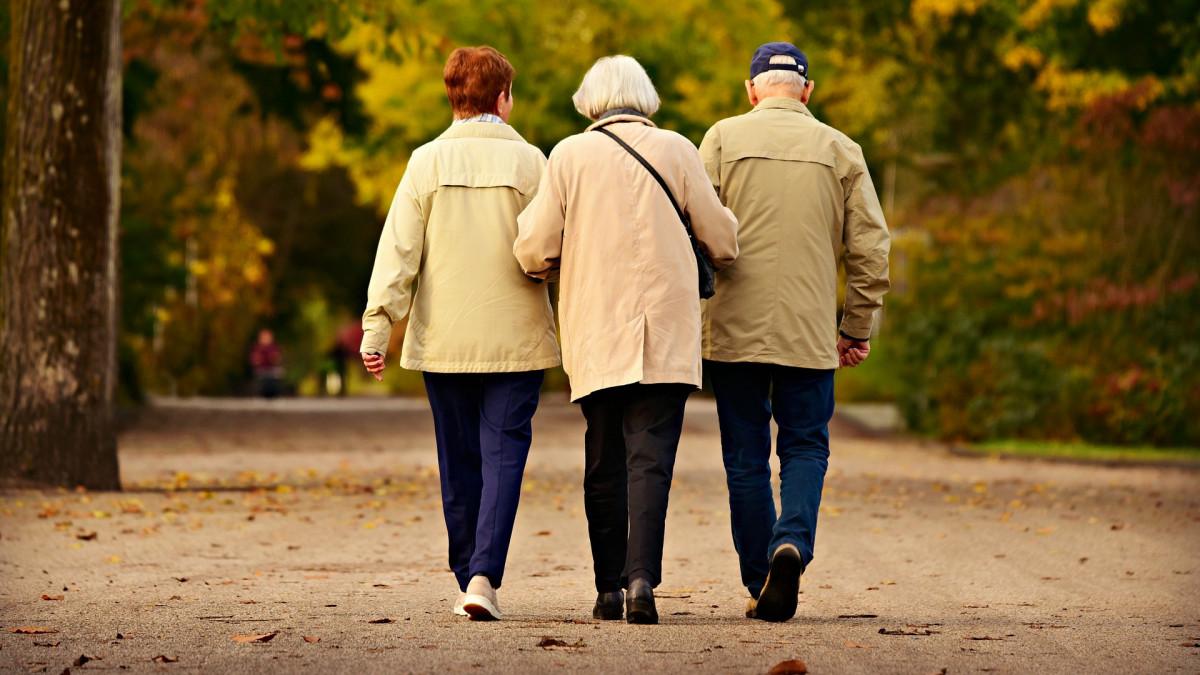 hogyan kereshet plusz pénzt egy nyugdíjas