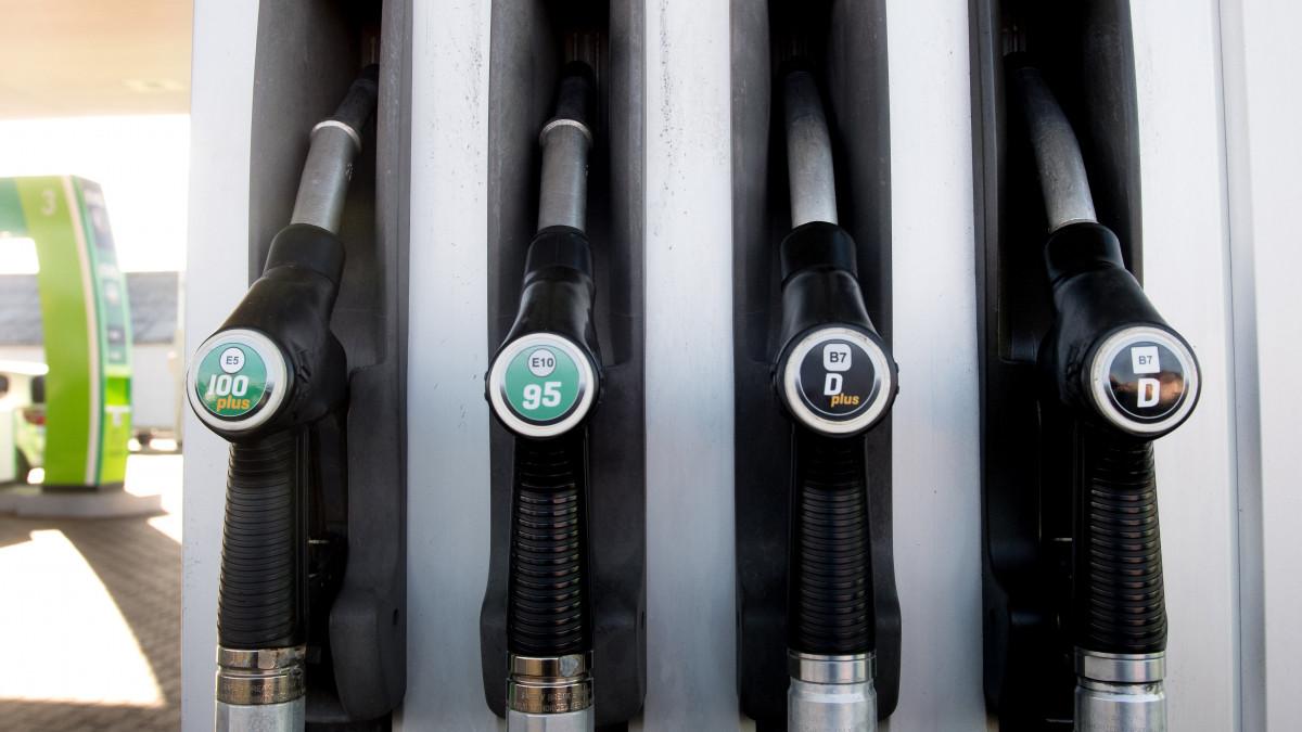 benzin opció