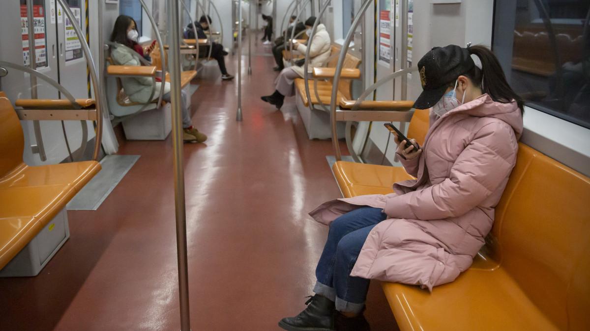 kínai site ülések)