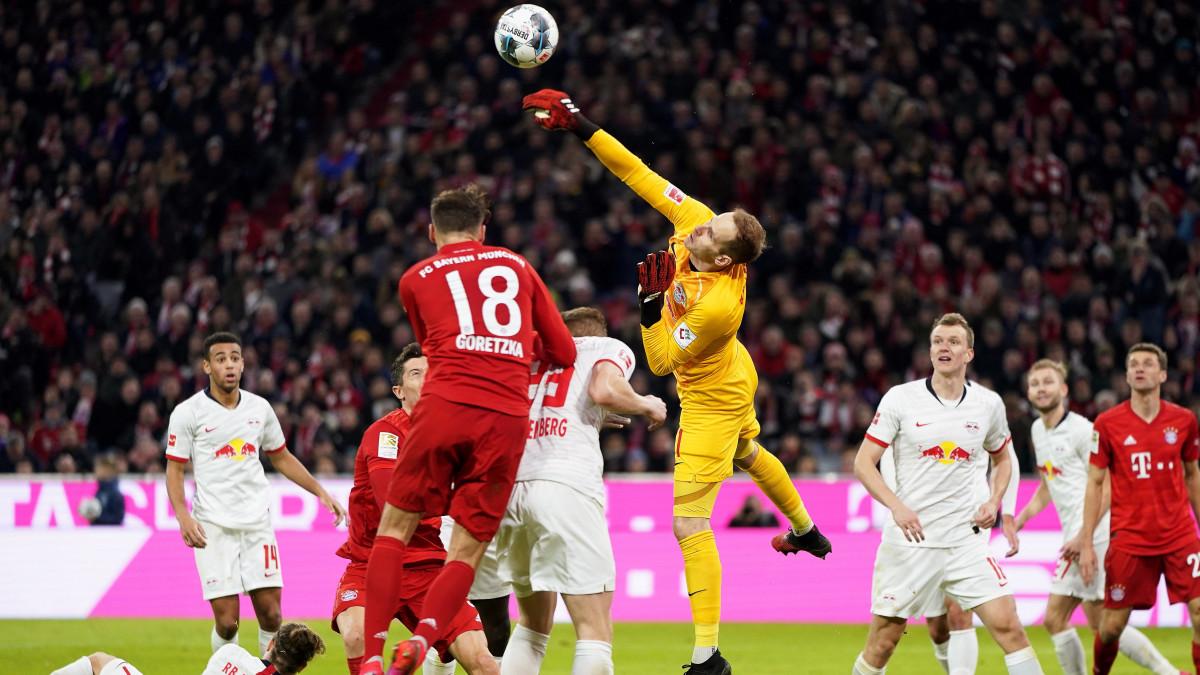 Ma este a Puskás Arénában: a Bundesliga legjobb kapusa a legjobb góllövő ellen