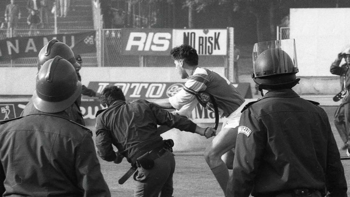 Harminc éve játszották a futballmeccset, amely után kirobbant a ...