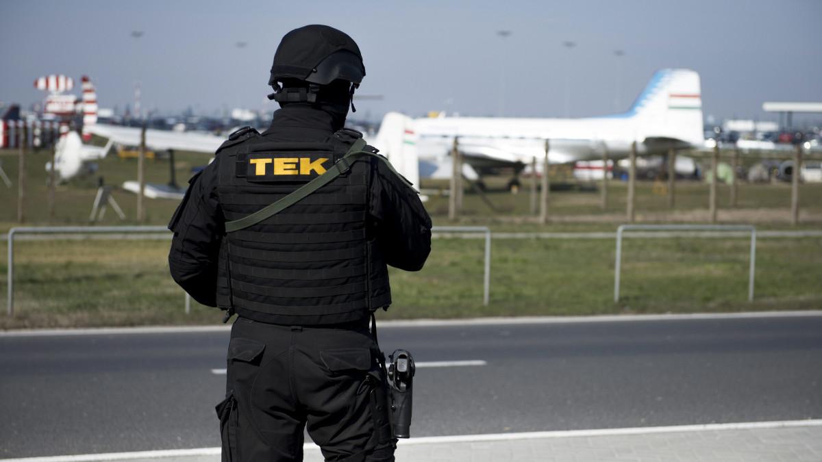 Terrormegelőzési törvényjavaslatot nyújt be a nemzetbiztonsági bizottság elnöke