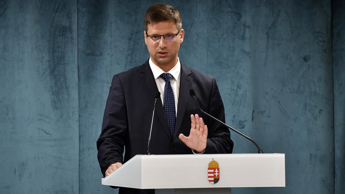 Újabb intézkedésekről döntött a kormány – Kormányinfó percről percre