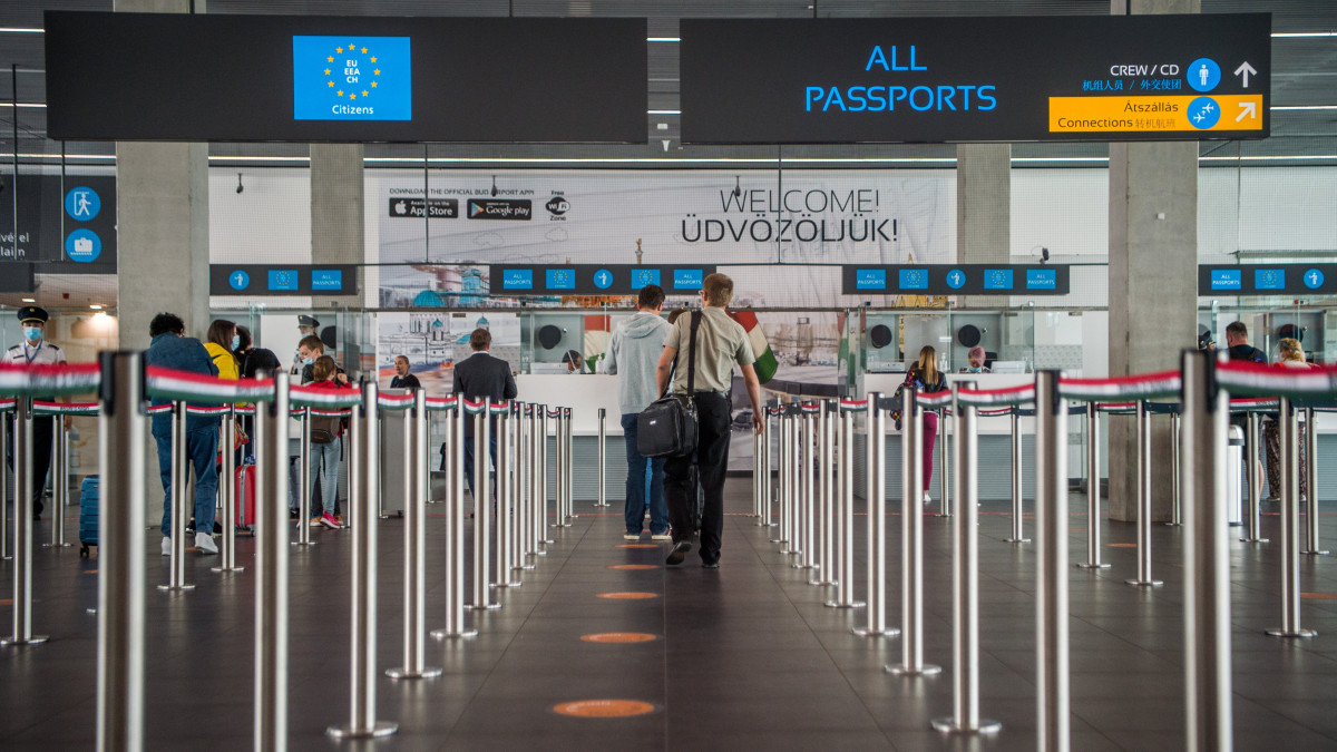 Szinte minden bevételét elveszíti a Budapest Airport - Infostart.hu