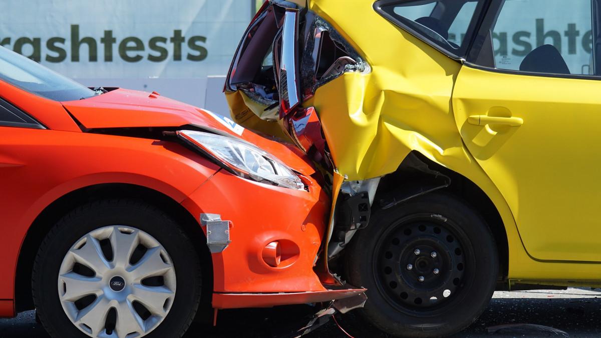 Szigorodtak a szabályok, jó pár autó rosszabb minősítést kaphat