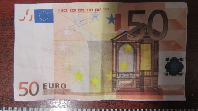aki hogyan keres pénzt euróval)