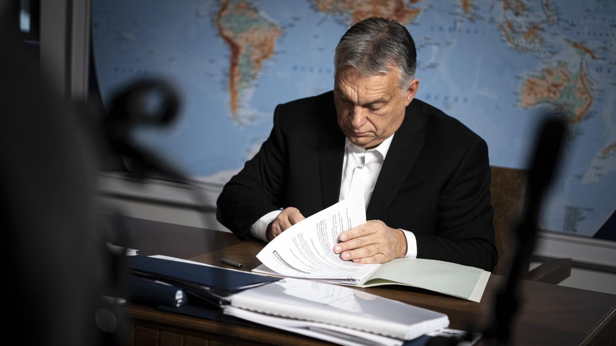 Orbán Viktor: elvesztette a hitelét, aki a CEU bezárásával kampányolt