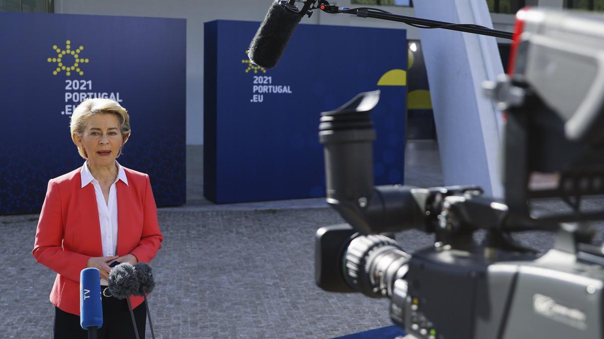 Ursula von der Leyen: szégyenletes a magyar törvénytervezet – videó