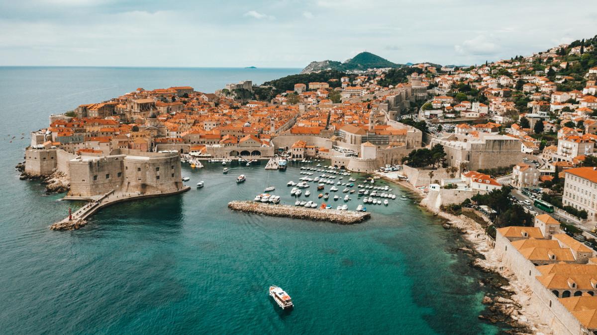 Tíz plusz egy országba már szabad a turistáskodás – ezekre kell figyelni