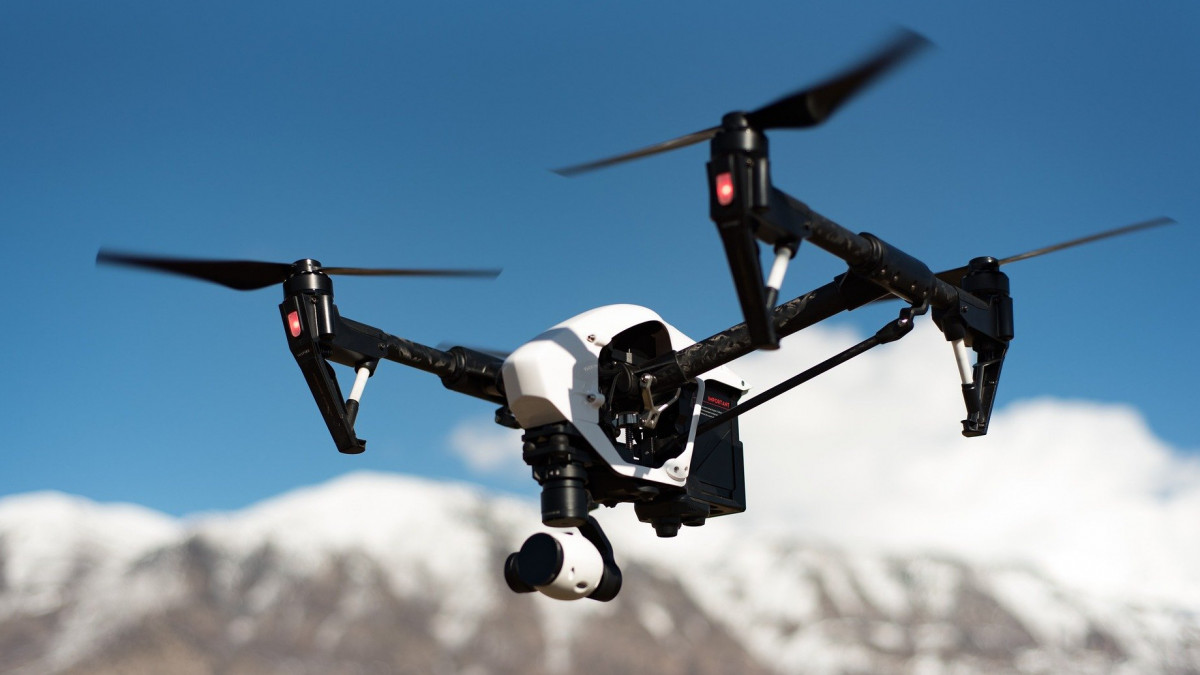 Van egy ország, ahol drónok szállíthatják a koronavírus elleni oltást