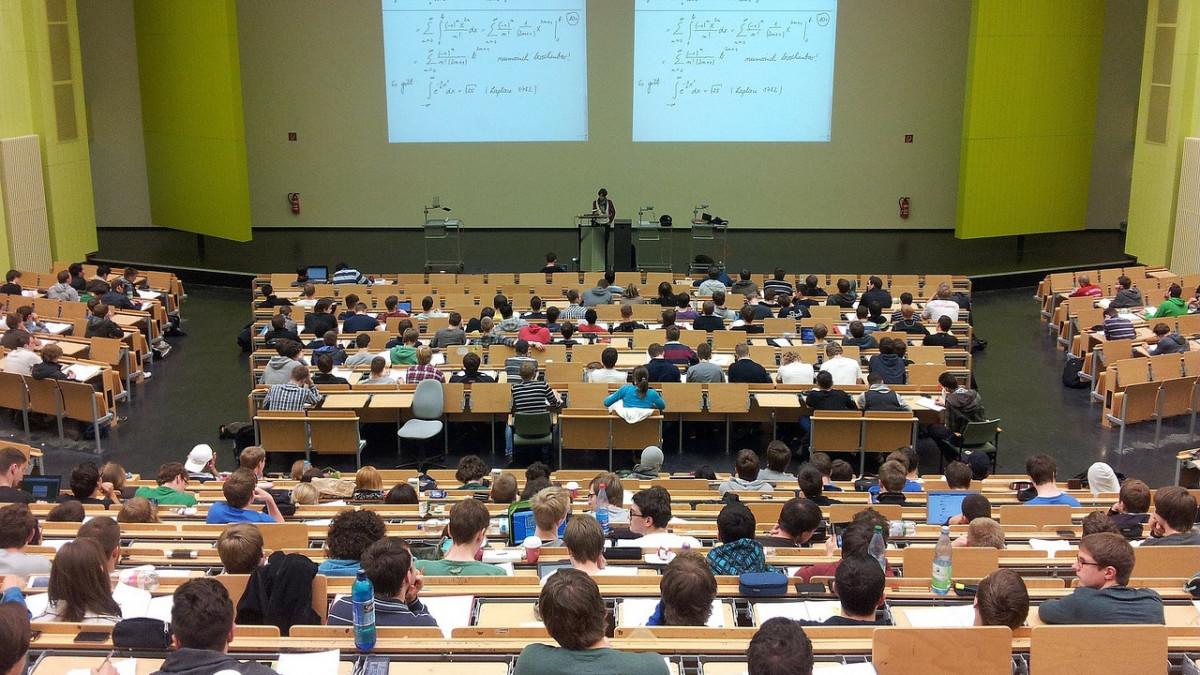 Szeptembertől az egyetemisták 70 százaléka tanul modellváltó intézményben