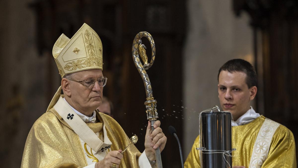 Erdő Péter: a keleti és a nyugati kereszténység találkozik az eucharisztikus kongresszuson