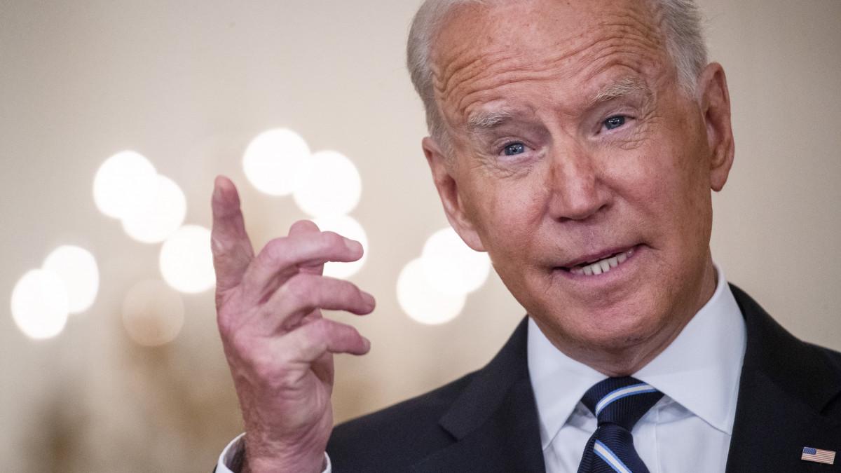 Az USA végre beengedi az oltott külföldieket, Biden aláírta a rendeletet - itt vannak a részletek