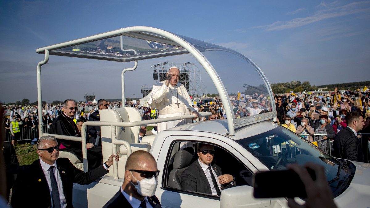 Ferenc pápa mindenkit a szívébe zárt Szlovákiában