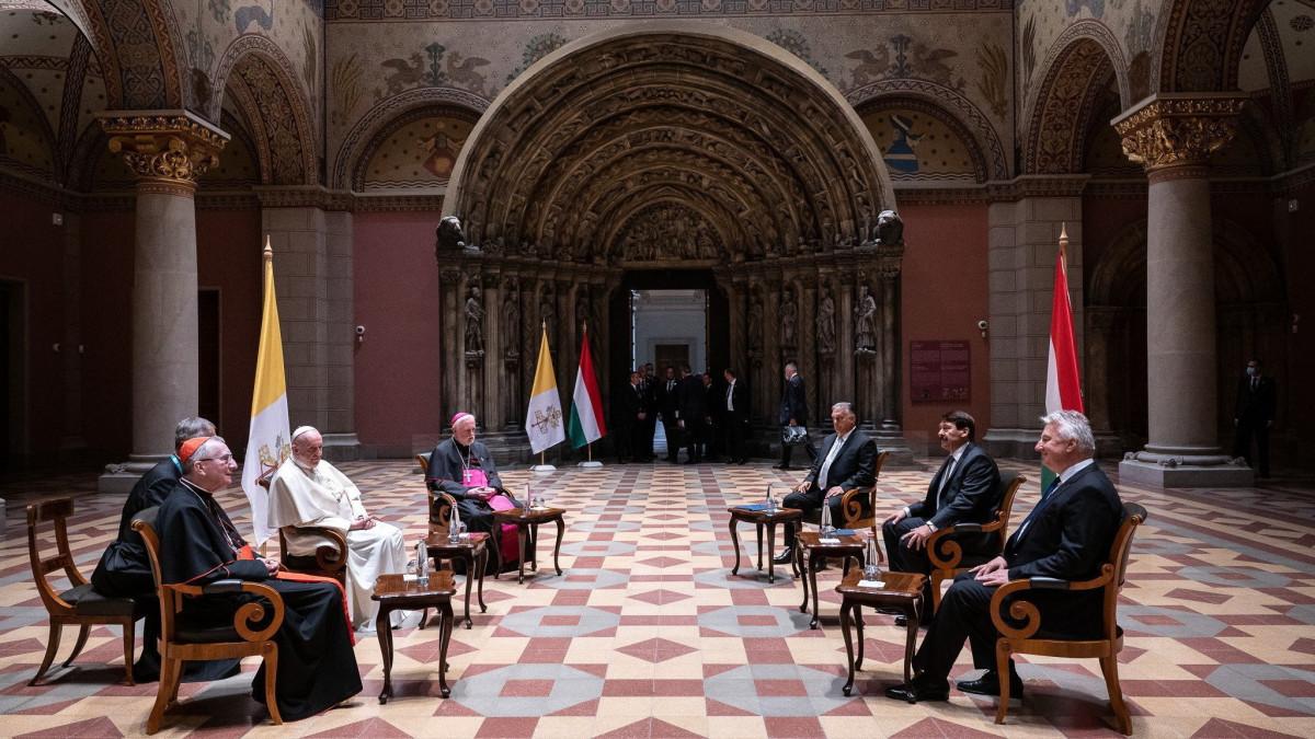 Áder János részletesen elmondta, miről beszélgettek Ferenc pápával