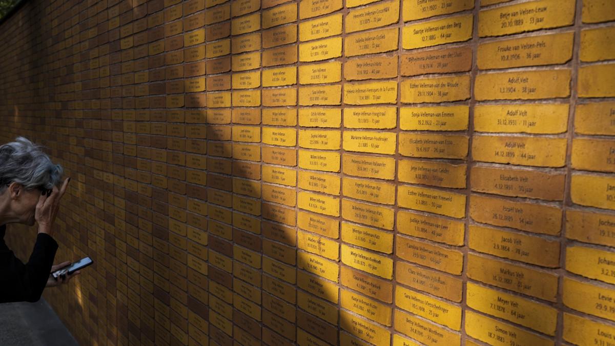 Felavatták Hollandia első holokauszt-emlékművét – fotók